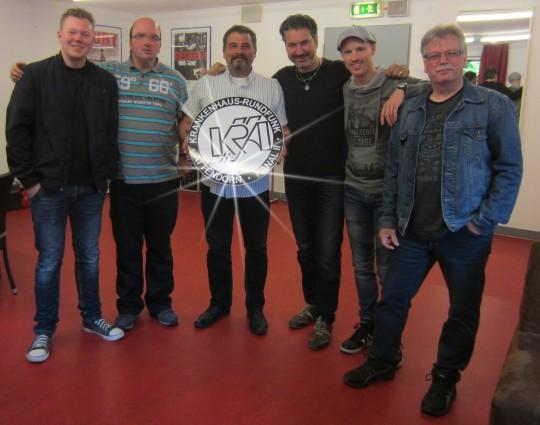 Marvin, Michael & Rainer mit den Jungs von RoxxBusters   Bild: KRA 2
