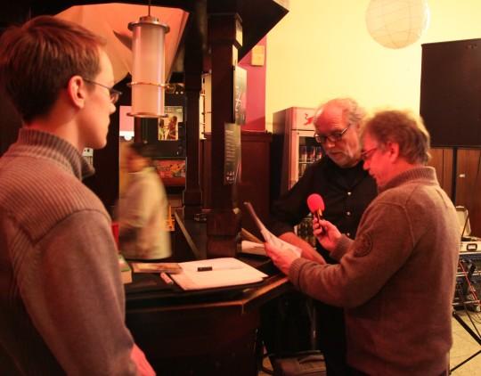 Am 28. Februar 2013 besuchten Marvin und Rainer den Sänger der Gruppe Zoff im Alten Bahnhof.   Bild: KRA 2
