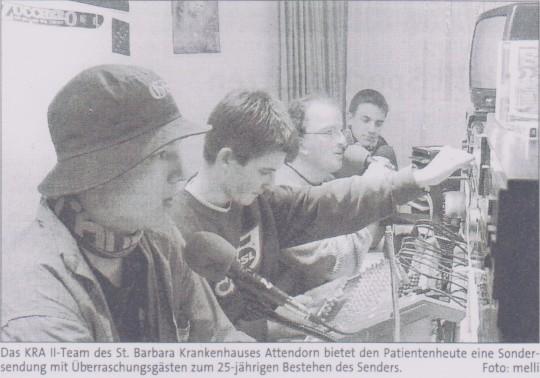 Ein Bild aus dem alten Studio aus dem Jahr 2002 mit Julian, Tim, Michael & Daniel am Mikrofon   Bild: KRA 2